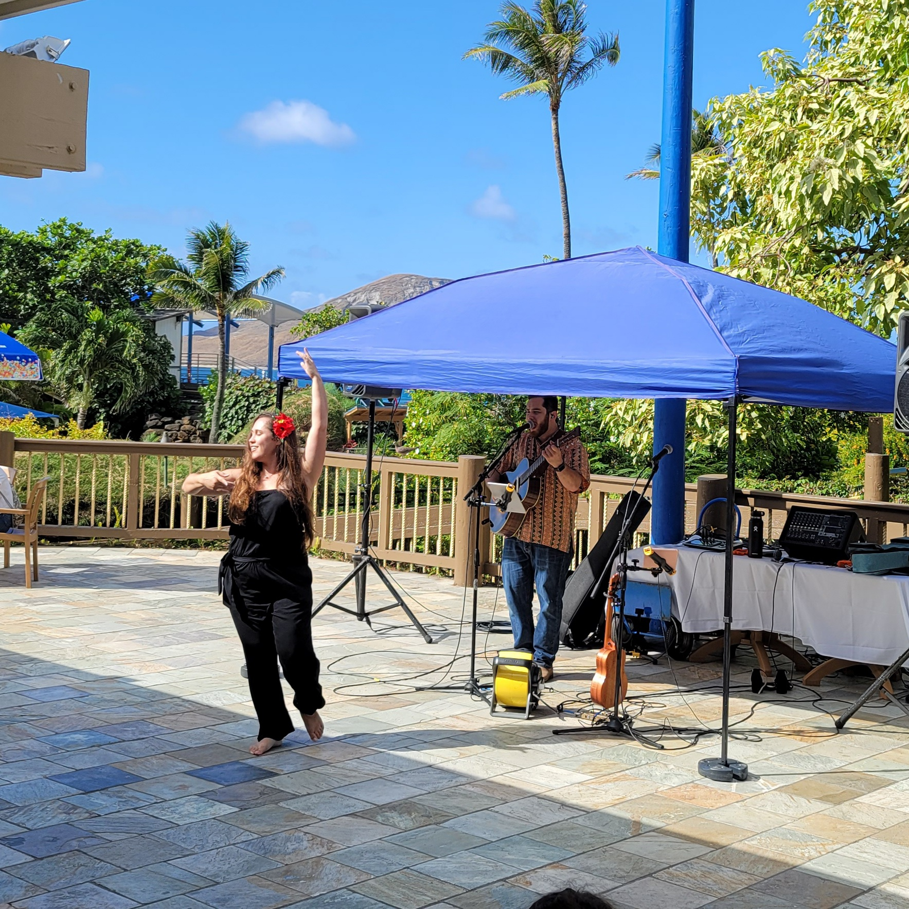 Kailua Moon performing at the Cafe with Manana Island in the background